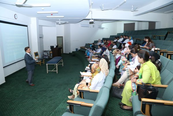 8. Brig Ashar in Dermopath Workshop